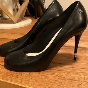 Chanel pumps size 41C worn a couple of times